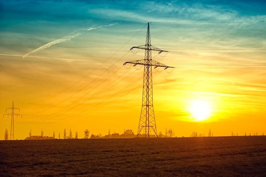 Cae el consumo de energía eléctrica en el primer semestre